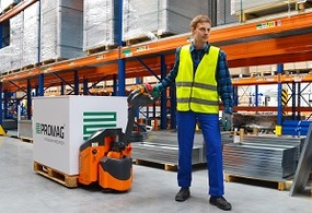 Low lift electric pallet trucks
